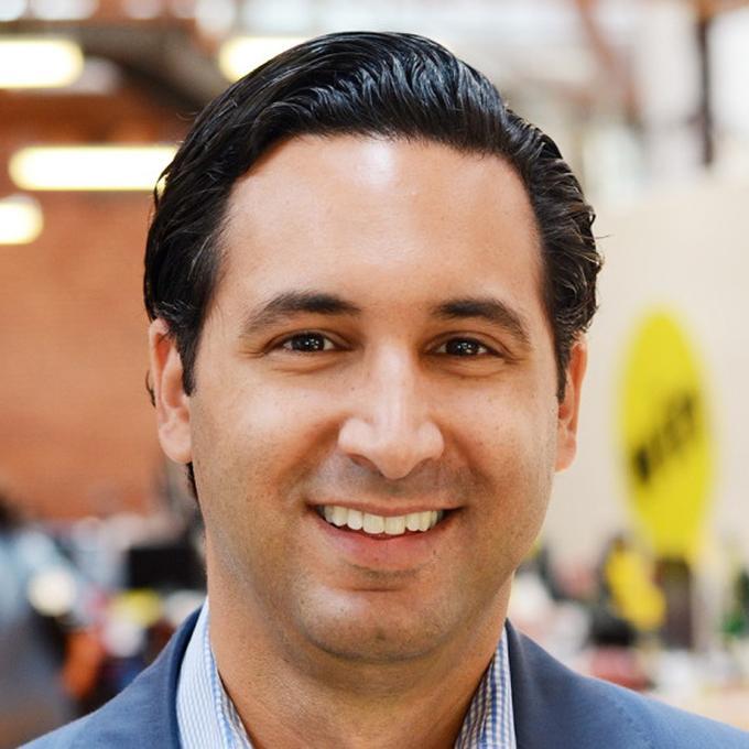 Photo of Jonathan Perelman