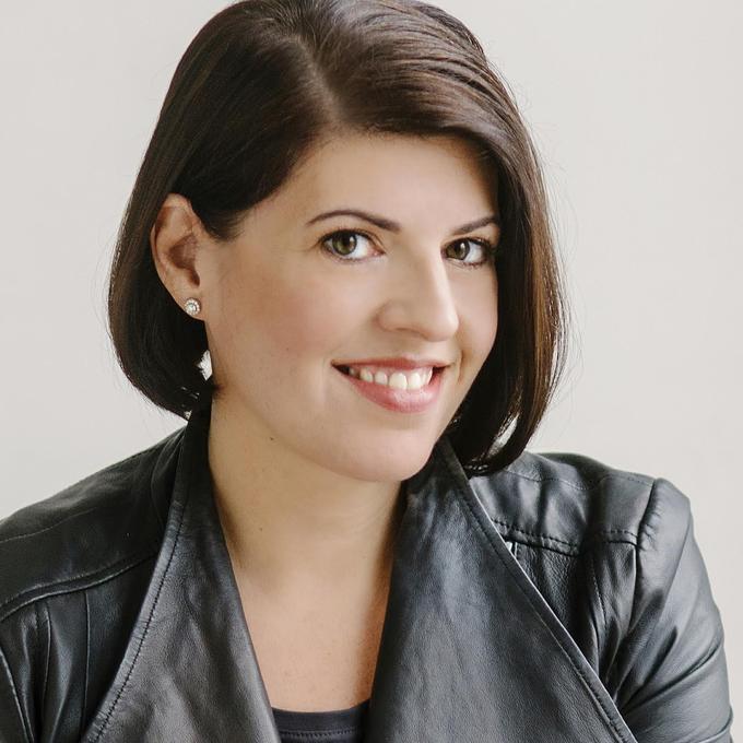 Photo of Stephanie Agresta